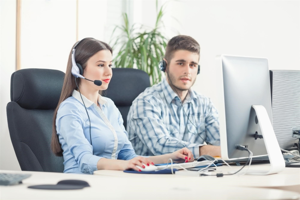 Call Center Operators Handling Voicemails